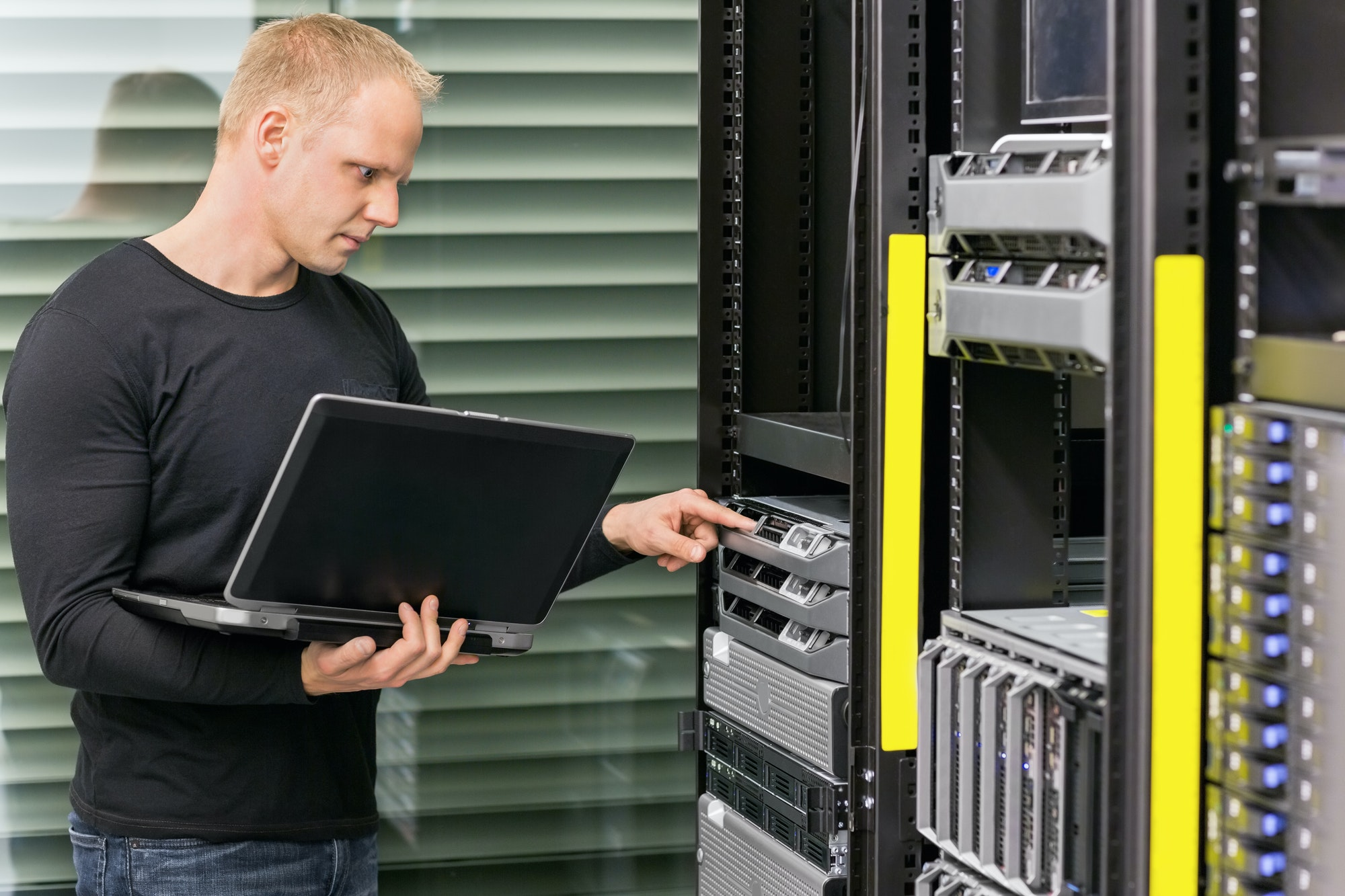 benefits of private cloud hosting